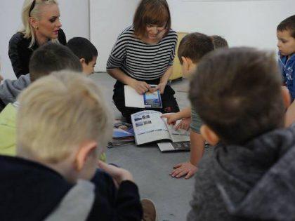 Škola v galérii súčasného umenia